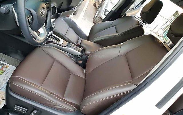 Cần bán xe Toyota Fortuner đời 2018, màu trắng, nhập khẩu  3