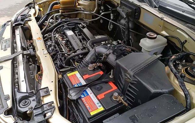 Bán xe Ford Escape 2.3 AT năm sản xuất 2005, màu vàng  2
