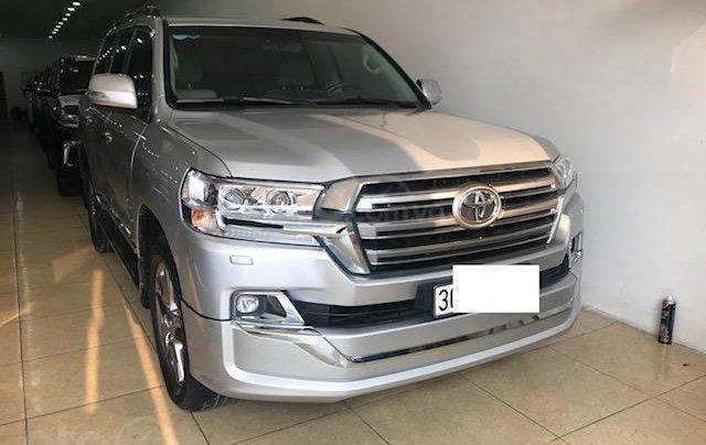 Bán ô tô Toyota Land Cruiser VX 2016, màu bạc đăng ký công ty, một chủ từ đầu1