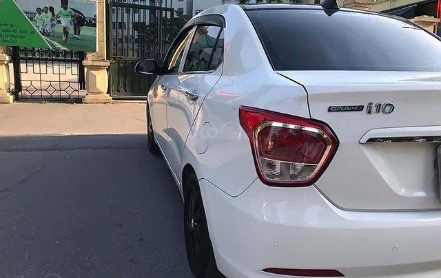 Cần bán Hyundai Grand i10 1.2 MT đời 2017, màu trắng, nhập khẩu 1