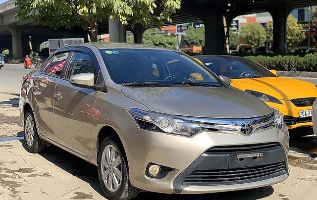 Bán Toyota Vios 2017, màu vàng cát số tự động xe còn mới lắm0