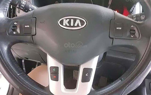 Cần bán gấp Kia Sportage Limited năm 2010, màu trắng, xe nhập số tự động4