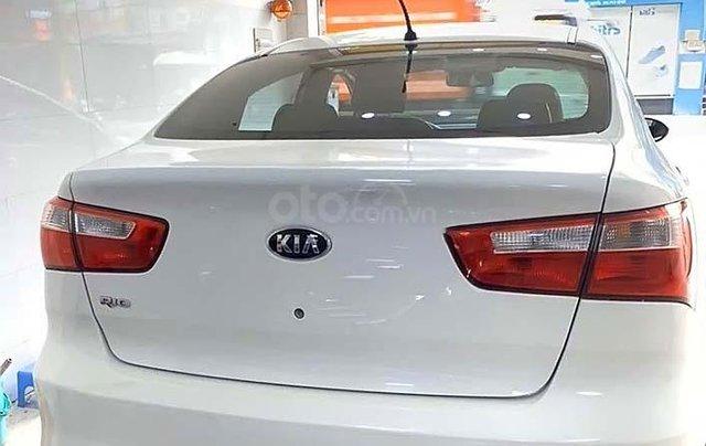 Cần bán Kia Rio đời 2016, màu trắng, nhập khẩu chính hãng4