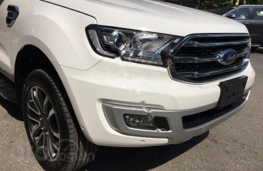 Bán - Ford Everest giá ưu đãi cuối năm, hỗ trợ trả góp thủ tục nhanh , LH 09098502555