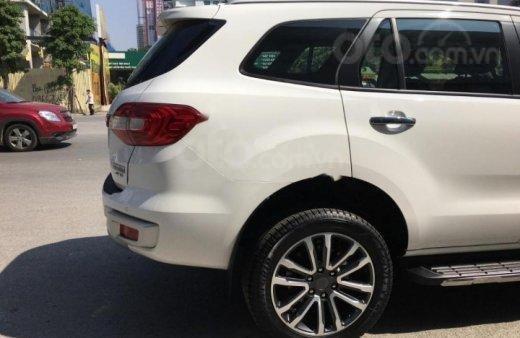 Bán - Ford Everest giá ưu đãi cuối năm, hỗ trợ trả góp thủ tục nhanh , LH 09098502554