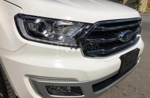 Bán - Ford Everest giá ưu đãi cuối năm, hỗ trợ trả góp thủ tục nhanh , LH 09098502556