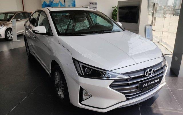 Giảm nóng 50% TTB - Hyundai Elantra - cam kết giá tốt nhất toàn hệ thống0