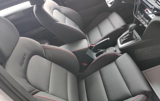 Giảm nóng 50% TTB - Hyundai Elantra - cam kết giá tốt nhất toàn hệ thống6