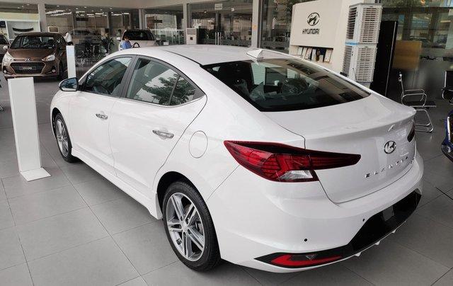 Giảm nóng 50% TTB - Hyundai Elantra - cam kết giá tốt nhất toàn hệ thống4