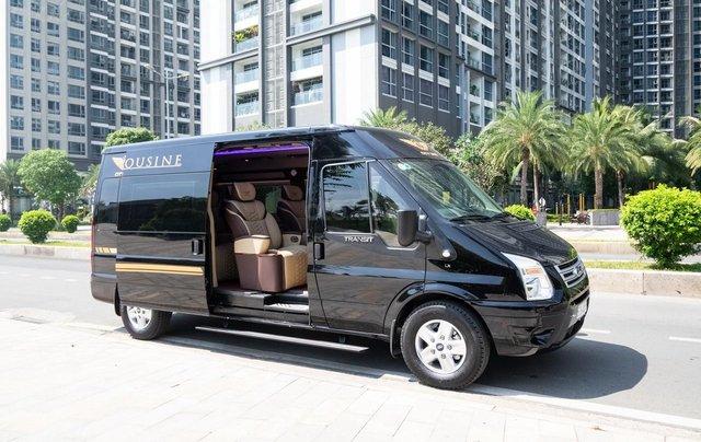 Cần bán Ford Transit Limousine cao cấp đời 2020, màu đen, giá tốt nhất thị trường0