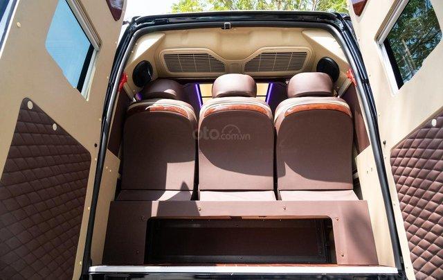 Cần bán Ford Transit Limousine cao cấp đời 2020, màu đen, giá tốt nhất thị trường8
