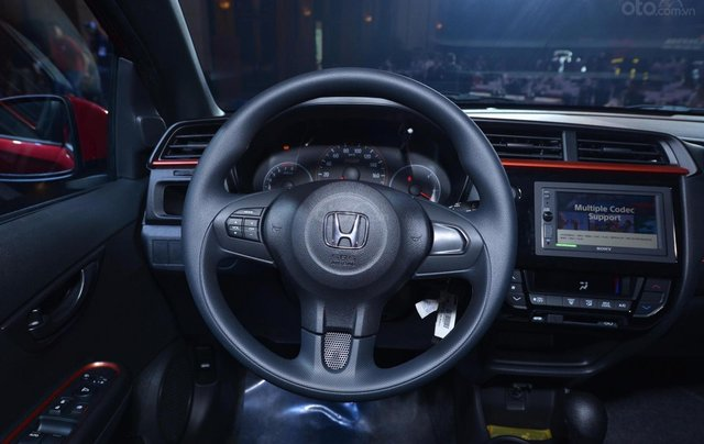 Honda ô tô Hà Nội, Honda Brio tặng tiền mặt, phụ kiện, bảo hiểm trả trước 100tr nhận xe 8