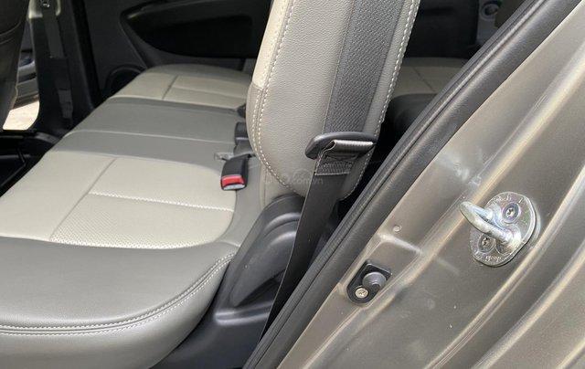 Cần bán xe Kia Carens 2.0 sản xuất 2010, màu xám Full Options9