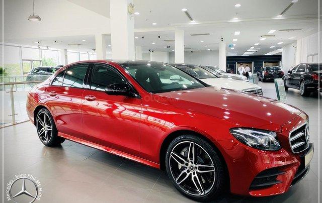 Cơ hội tốt nhất để mua Mercedes-Benz E300 New - KM 100% thuế trước bạ, trả 799 triệu nhận xe 1