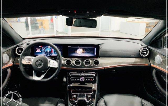 Cơ hội tốt nhất để mua Mercedes-Benz E300 New - KM 100% thuế trước bạ, trả 799 triệu nhận xe 4