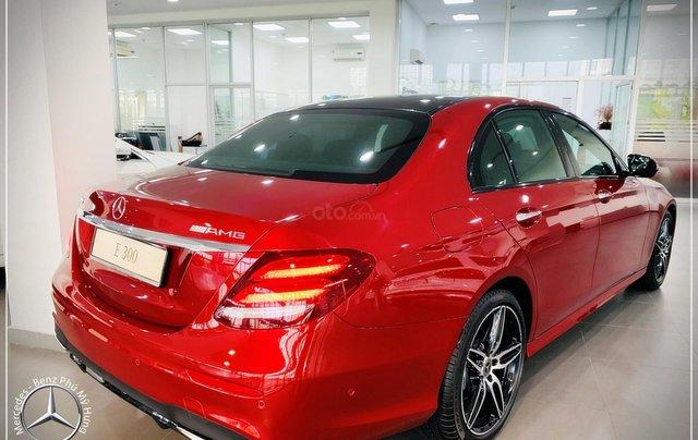 Cơ hội tốt nhất để mua Mercedes-Benz E300 New - KM 100% thuế trước bạ, trả 799 triệu nhận xe 5