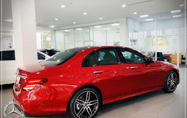Cơ hội tốt nhất để mua Mercedes-Benz E300 New - KM 100% thuế trước bạ, trả 799 triệu nhận xe 8