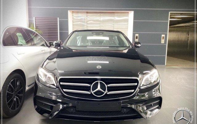 Bán Mercedes-Benz E300 AMG New 2020 - thuế trước bạ 5% - xe giao ngay, đưa trước 899 triệu nhận xe 0