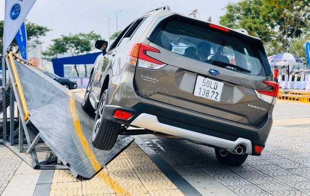 Subaru Forester mới 100% nhập khẩu nguyên chiếc1
