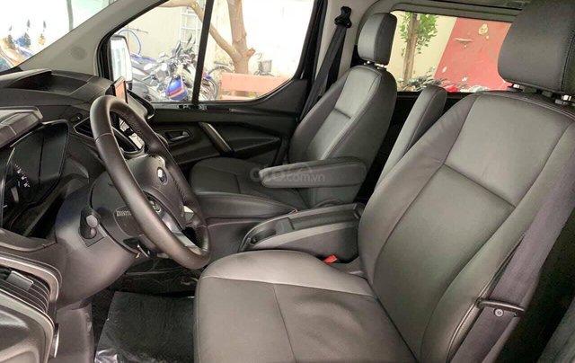 Ford Tourneo MPV phiên bản hoàn toàn mới đời 2021, giá tốt tặng phụ kiện6
