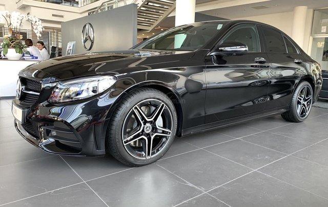 Bán Mercedes-Benz C300 AMG - model 2020 - hỗ trợ bank 80% - khuyến mãi đặc biệt trong tháng 1