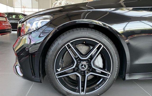 Bán Mercedes-Benz C300 AMG - model 2020 - hỗ trợ bank 80% - khuyến mãi đặc biệt trong tháng 3