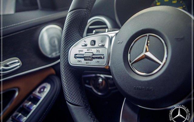 Bán Mercedes-Benz C300 AMG - model 2020 - hỗ trợ bank 80% - khuyến mãi đặc biệt trong tháng 13