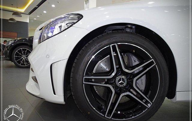 Mercedes-Benz C300 AMG New - thuế TB 5%- Bank 80% - trả trước 480 triệu nhận xe 9