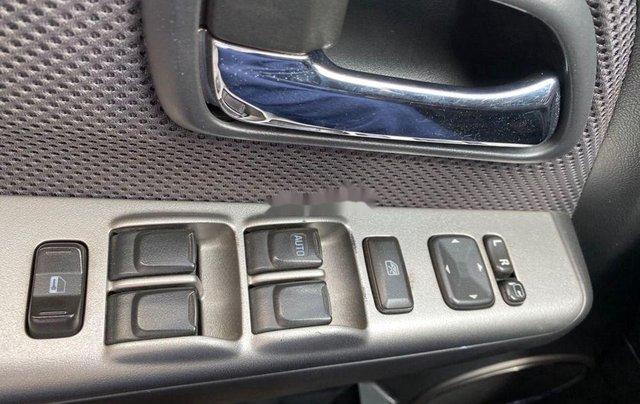 Xe Isuzu Dmax năm sản xuất 2011, màu xám, xe nhập5