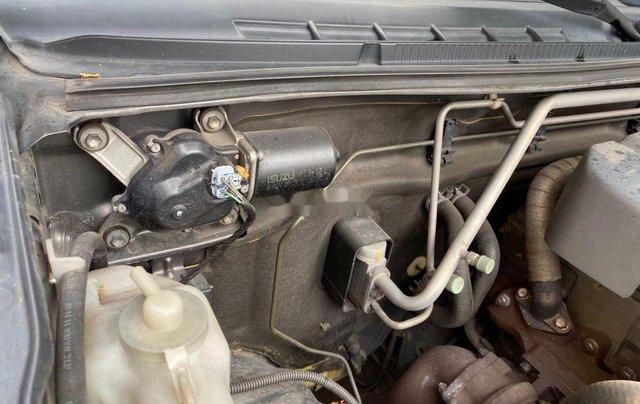 Xe Isuzu Dmax năm sản xuất 2011, màu xám, xe nhập6
