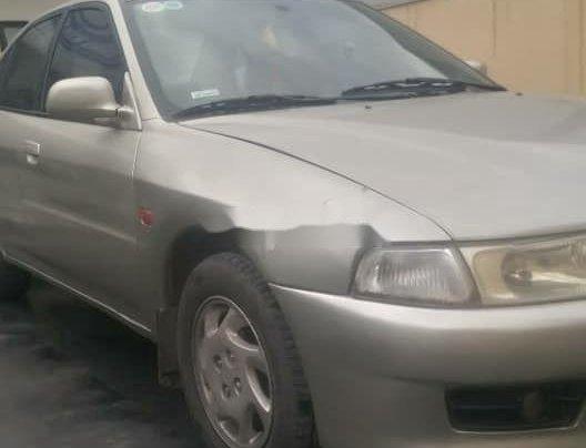 Cần bán lại xe Mitsubishi Lancer năm 20001