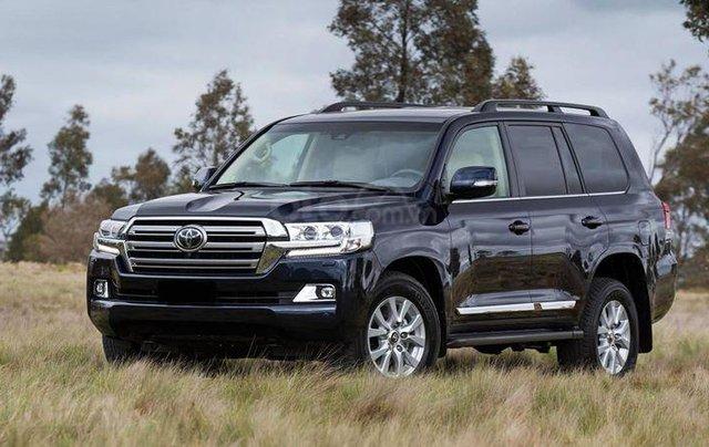 Hỗ trợ giao xe nhanh toàn quốc khi mua chiếc Toyota Land Cruiser cao cấp, sản xuất 2019, giá cạnh tranh