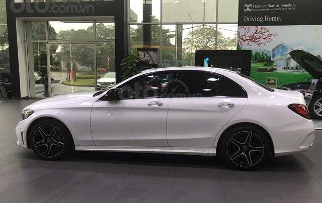Bán Mercedes C300 mới, giảm ngay 150 triệu1