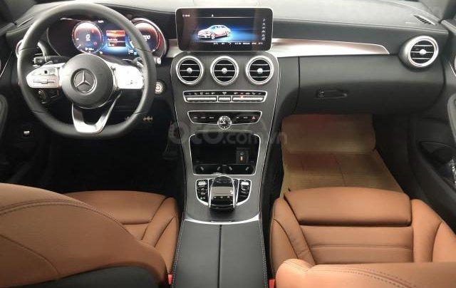 Bán Mercedes C300 mới, giảm ngay 150 triệu5