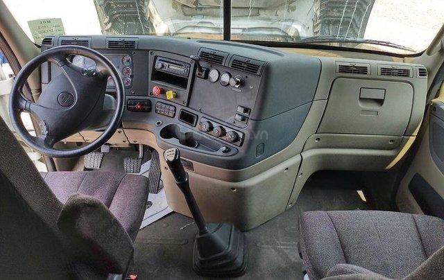 Đầu kéo Cascadia máy Detroit - 250tr nhận xe2