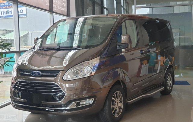Ford Tourneo Titanium 2019 giảm tiền mặt tặng phụ kiện0