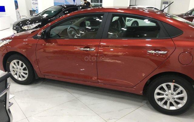 Hyundai Accent AT tiêu chuẩn - Ưu đãi lớn tại Hyundai Long Biên, đủ màu xe, hỗ trợ trả góp tối đa 80% 2
