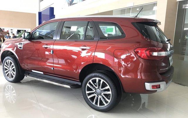 Bán lô Ford Everest Titanium Biturbo đời 2019, giảm hơn 100 triệu tiền mặt, quà tặng hấp dẫn, LH đặt xe: 0969.016.6920