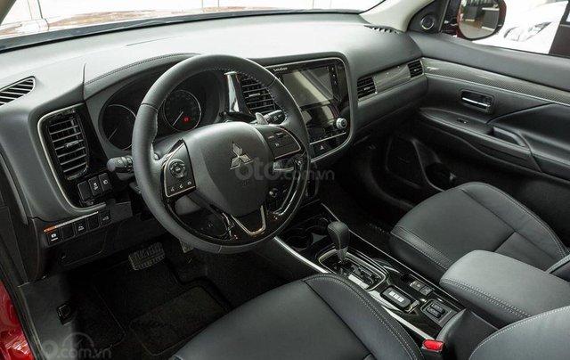 Mitsubishi Outlander 2020 phiên bản 2.0 cao cấp, ưu đãi lên đến 25 triệu Fukubukuro, tặng loa Rockford3