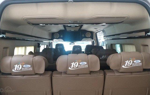 Transit Limousin 10 chỗ giao ngay, đủ màu, ưu đãi khủng, hàng chất lượng5