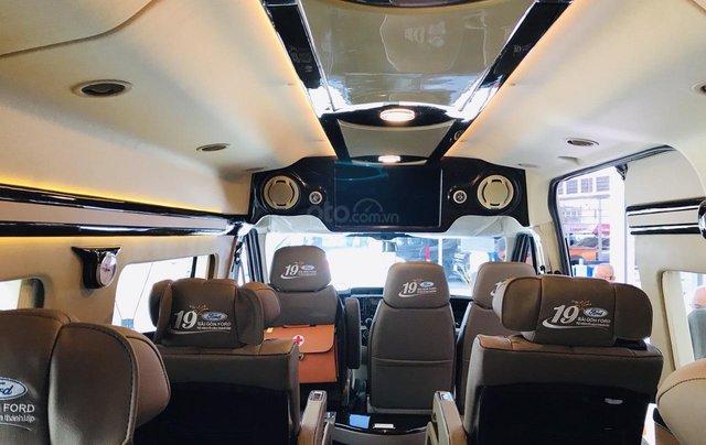 Transit Limousin 10 chỗ giao ngay, đủ màu, ưu đãi khủng, hàng chất lượng7