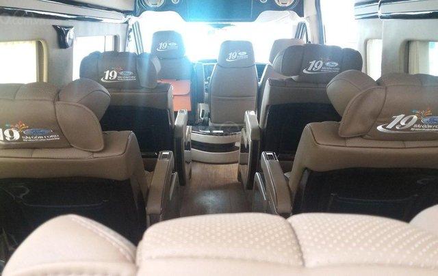 Transit Limousin 10 chỗ giao ngay, đủ màu, ưu đãi khủng, hàng chất lượng8