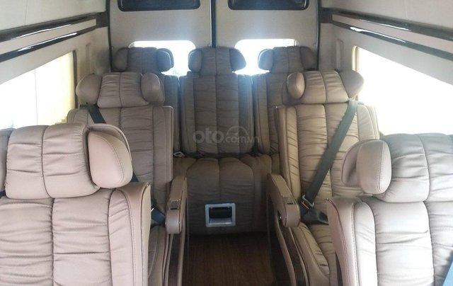 Transit Limousin 10 chỗ giao ngay, đủ màu, ưu đãi khủng, hàng chất lượng10