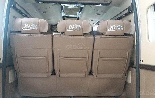 Transit Limousin 10 chỗ giao ngay, đủ màu, ưu đãi khủng, hàng chất lượng12