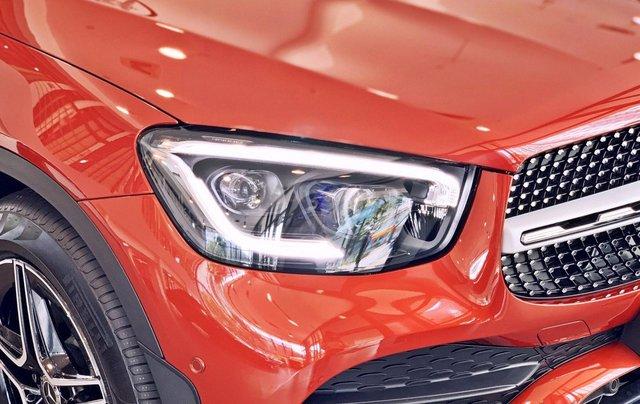 Bán Mercedes-Benz Glc 300 4 matic, quà tặng lên đến 200 tr tiền mặt, giá ưu đãi nhất HN2