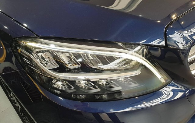 Bán Mercedes-Benz C180 model 2020, chỉ 349tr - giá tốt nhất - nhận xe ngay - bank 80% 1