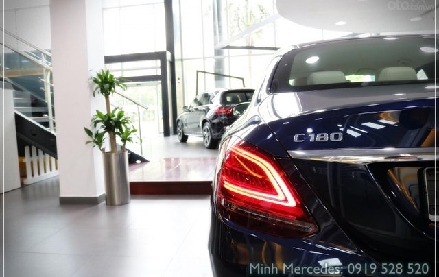 Bán Mercedes-Benz C180 model 2020, chỉ 349tr - giá tốt nhất - nhận xe ngay - bank 80% 11