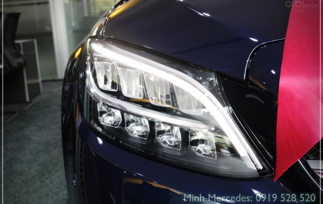 Bán Mercedes-Benz C180 model 2020, chỉ 349tr - giá tốt nhất - nhận xe ngay - bank 80% 2
