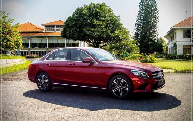 Bán Mercedes-Benz C180 model 2020, chỉ 349tr - nhận xe ngay - bank hỗ trợ 80% - giá tốt nhất 2