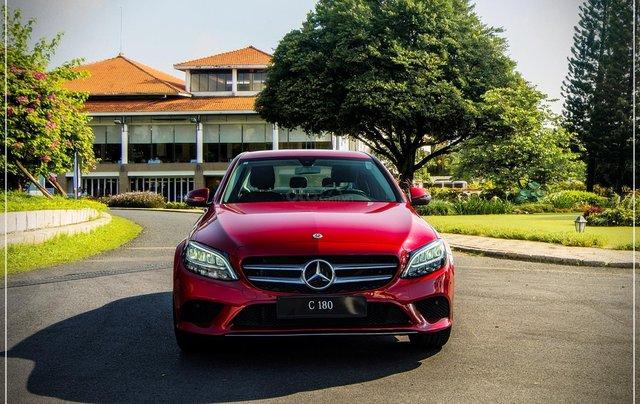 Bán Mercedes-Benz C180 model 2020, chỉ 349tr - nhận xe ngay - bank hỗ trợ 80% - giá tốt nhất 0